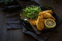 Des aiguillettes de poulet très croustillantes cuites au four dont la panure est aromatisée au parmesan et au citron.