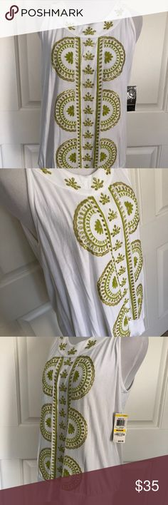 COTTON KNIT W/ YELLOW EMBROIDERY BEADING BANDED ADORABLE COTTON KNIT BLOUSE FROM ALFANI  CRISP WHITE - SOFT AND COMFY  WITH LEMON LIME EMBROIDERY, CIRCLE NECKLINE  SIZE MEDIUM  BANDED BOTTOM - FLATTERING FIT  PERFECT CONDITION  SMOKE FREE HOME ALFANI Tops Blouses