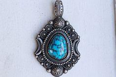 Horizon Blue Bisbee P ツイストワイヤーペンダント  #Horizonblue  #ターコイズ #turquoisejewelry #ターコイズジュエリー #ジュエリー#silverjewelry  #silversmith  #アクセサリー #ファッション #アメカジ  #ペンダント #pendant #ネックレス #bisbee #ビズビー #サーフィン #ハンドメイド