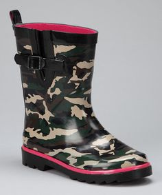 Decorated with cool camo, these rain boots make puddle jumping a fashionably fun affair. They feature an adjustable buckle for a perfect fit and pull-loop tabs in back that help to easily slip them on. Made with durable waterproof rubber and traction soles, these beauties are everyday efficient.