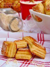 Az otthon ízei: Réteges túrós pogácsa Snack Recipes, Dessert Recipes, Christmas Crochet Patterns, Hungarian Recipes, Ham, French Toast, Chips, Cooking, Breakfast