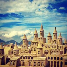 #sand #riodejaneiro #rio #copacabana #castle #sun #beach Louvre, Photo And Video, House Styles, Photography, Instagram, Photograph, Fotografie, Photoshoot, Fotografia