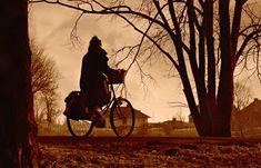Califica post Vivimos en el centro de Santiago, lo que nos permite movilizarnos a pie y en bicicleta. Por suerte, en nuestro sector, hay varias ciclovías así que podemos desplazarnos más seguros para descubrir rincones, ver a la gente, disfrutar del viento en la cara y hacer paseos en bicicleta. Para retener esas lindas sensaciones, … La entrada Las mejores ciudades para recorrer en bicicleta 🚴 se publicó primero en A pata pelada. Free Pictures, Free Images, Free Photos, Baby Discount, Womens Purses, In The Flesh, Logs, Cycling, Bicycle
