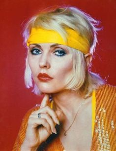 "( MUSIC ♪♫♪♪ 2016 ) - ♪♫♪♪ DEBBIE HARRY (Angela Tremble) Sunday, July 01, 1945 - 5' 3'' - Miami, Florida, USA.  ""The lead singer of Blondie."""