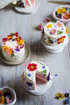 These Edible Flower Wedding Cakes Are Next-Level Gorgeous via Brit + Co