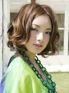 Digital Perm Pictures and Information: 360 SPIRAL PERM Digital Perm Short Hair, Short Perm, Short Wavy, Permed Hairstyles, Summer Hairstyles, Cool Hairstyles, Japanese Hairstyles, Hairdos, Body Wave Perm