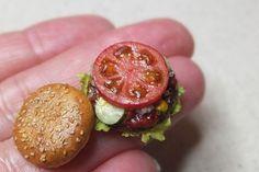 shibazukeparipariのミニチュア。 1/6 scale ミニチュア ハンバーガーセット 制作中。 詳細はHPへ http://shibazukeparipari.com #ミニチュア #食品サンプル #ドール #樹脂粘土 #ミニチュアフード #ハンバーガー #ハンドメイド #doll #fake #food #resin #clay #art #handmade #miniature #burger