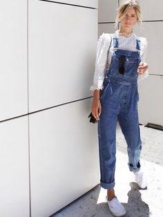 10821af312f Blouse blanche en dentelle + salopette en jean   le bon mix Fashion  Clothes
