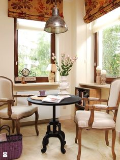 Zdjęcie: stolik na poranną kawę - Jadalnia - Styl Eklektyczny - Beautiful Minds Projektowanie Wnętrz