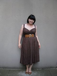 chocolate colored outfit. don't have to be skinny to look cute!