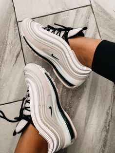 Nike Air Max sneakers available at Sneaker Land. Moda Sneakers, Cute Sneakers, Sneakers Mode, Sneakers Fashion, Fashion Shoes, Girls Sneakers, Running Sneakers, Nike Running, Girls Shoes