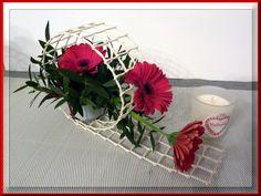 Art Floral, Deco Floral, Floral Flowers, Flower Vases, Flower Art, Paper Flowers, Floral Design, Contemporary Flower Arrangements, Unique Flower Arrangements