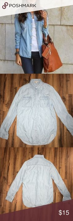 Double Pocket Chambray Shirt Super cute chambray shirt. Doesn't fit anymore. Only wore twice. Size small kayas Tops Button Down Shirts