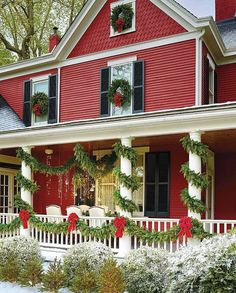 Elegant outdoor christmas decoration ideas that will give you a festive feeling 27 Christmas Decorations For The Home, Christmas Porch, Victorian Christmas, Country Christmas, Winter Christmas, Christmas Lights, Victorian Houses, House Decorations, Merry Christmas