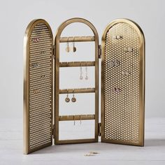 Reese Witherspoon's Jewelry Organizer is from Pottery Barn Teen, and Wow, What a Throwback Reese Witherspoon Pottery Barn Teen Jewelry Organizer Earring Storage, Hanging Jewelry Organizer, Earring Display, Jewellery Storage, Jewellery Display, Jewelry Organization, Earing Organizer, Jewellery Showroom, Diy Jewellery
