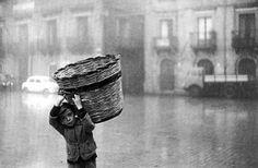 Guerrilha Nerd: A bela fotogafia de Ferdinando Scianna [35 Fotos]