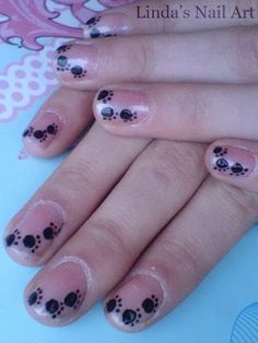 Cat paws nail art. #lindasnailart