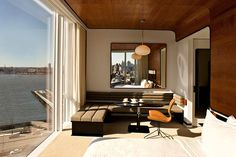Room with a view @ The Standard High Line Hotel   Recommended by HYHOI.com blog   Meatpacking District, New York