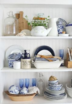 Craftberry Bush | Summer hutch and styling tips | Maybe for a lakehouse http://www.craftberrybush.com