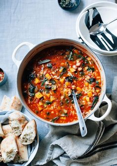 Vegan butternut minestrone is a cozy Fall spin on a classic soup. - Vegan butternut minestrone is a cozy Fall spin on a classic soup. It& filled out with chickpe - Healthy Food Blogs, Healthy Soup Recipes, Healthy Lunches, Detox Recipes, Vegetarian Soup, Vegetarian Recipes, Best Butternut Squash Recipe, Biryani, Soup And Salad