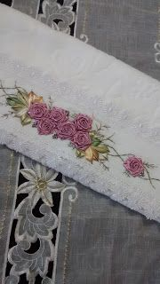 LOY HANDCRAFTS, TOWELS EMBROYDERED WITH SATIN RIBBON ROSES: TOALHA PARA DECORA A CASA NO NATAL