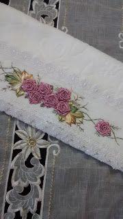 LOY HANDCRAFTS, TOWELS EMBROYDERED WITH SATIN RIBBON ROSES: TOALHA PARA DECORA A CASA NO NATAL