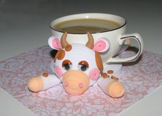 Cow Coaster - quilled by: Irina Motylevich Quilling Animals, 3d Quilling, Quilling Jewelry, Quilling Flowers, Paper Flowers, Quilling Ideas, 3d Origami, Modular Origami, Paper Art