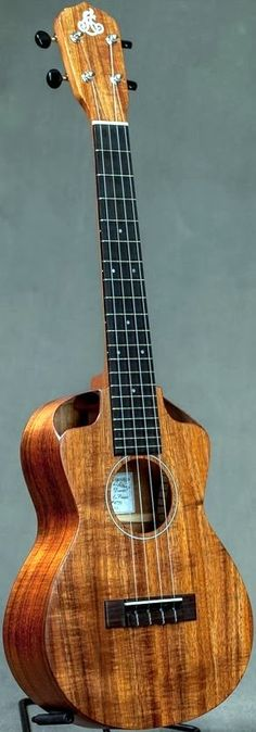 LoPrinzi Nova Tenor #LardysUkuleleOfTheDay ~ https://www.pinterest.com/lardyfatboy/lardys-ukulele-of-the-day/ ~