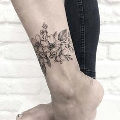 50 Amazing And Gorgeous Ankle Floral Tattoo Designs You Must Know - Page 21 of 50 - Chic Hostess Tattoo P, Cuff Tattoo, Anklet Tattoos, Tattoo Bracelet, Foot Tattoos, Arm Band Tattoo, Body Art Tattoos, Sleeve Tattoos, Pretty Flower Tattoos