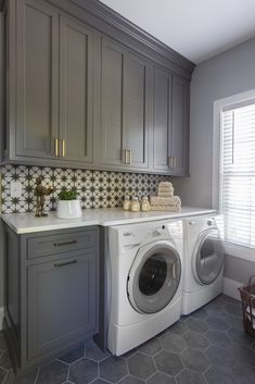 Rebekah Moore Murphy - designer in St. Rebekah Moore Murphy – designer in St. Kitchen And Bath Design, Laundry Room Design, Different Color Kitchen Cabinets, Kitchen Colors, St Louis Kitchen, Grey Laundry Rooms, Mud Rooms, Living Rooms, White Washing Machines