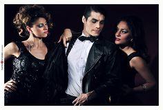 Angel Hernandez. Julia Montiliengo & Seku Faillace  para Nia Revo Producciones