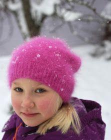 Soppaa ja silmukoita: Hattara-pipo, ohje Ravelry, Knitted Hats, Diy And Crafts, Winter Hats, Knitting Ideas, Crocheting, Crochet, Knits, Lace Knitting