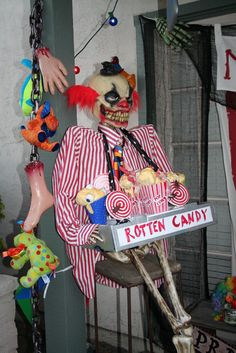 Dollar store crafts in Rotten Candy holder - link includes close up pics - On Halloween Forum Freak Show Halloween, Halloween Camping, Halloween Circus, Halloween Forum, Holidays Halloween, Scary Halloween, Halloween Party, Outdoor Halloween, Halloween 2017