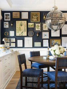 Design Trends I'm Embracing in 2019 - Decor Hint Navy Walls, French Furniture, Furniture Ideas, House Furniture, Furniture Stores, Luxury Furniture, Garden Furniture, Office Furniture, Kitchen Trends