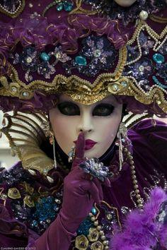 Venetian mask, carnival of venice 2012 Mardi Gras Carnival, Venetian Carnival Masks, Carnival Of Venice, Venetian Masquerade, Masquerade Party, Venetian Costumes, Masquerade Masks, Costume Venitien, Venice Mask