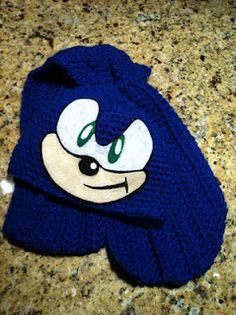 WIDNEY WOMAN: Sonic the Hedge Hog Hat