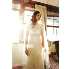 """""""Ah... Ela estava tããão linda!!! @julianemirovsky make @eduardojonata cerimonial @shirleyyanez essa foto é da minha equipe, mas o fotógrafo do dia foi  @tuliothome #carolnasseratelier #noivacarolnasser #wedding #rendafrancesa #justmarried"""" Photo taken by @carolnasseratelier on Instagram, pinned via the InstaPin iOS App! http://www.instapinapp.com (05/26/2015)"""