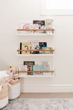 These simple and modern kids book ledges are such a fun way to display your little one's favourite books and art in their bedroom or playroom. Find the free building plans here.