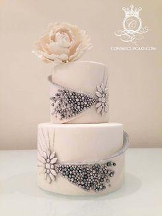 Luxurious Sparkling Wedding Cake | Cakes with Pearls, Elegant Cakes, Wedding Cakes | Beautiful Cake Pictures