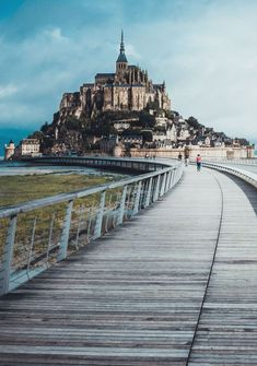 Looking for the best side day trips from Paris? Here are 21 ideas for short days trip from Paris you can enjoy, no matter what you're into. Places To Travel, Places To Visit, Travel Destinations, Mont Saint Michel France, Region Normandie, Day Trip From Paris, Monuments, Europe Holidays, Living In Europe