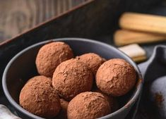 Small Cake, Tiramisu, Dog Food Recipes, Almond, Desserts, Candy, Tailgate Desserts, Deserts, Dog Recipes