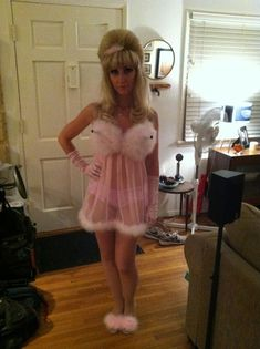 Flamingo Washington is wearing Fembot costume from Austin Powers cosplay. Pop Culture Halloween Costume, Unique Halloween Costumes, Halloween Inspo, Couple Halloween, Halloween Town, Halloween Cosplay, Halloween Halloween, Halloween Decorations, Creepy Costumes