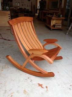 These Adirondack chair plans will help you build an outdoor furniture set that becomes the centerpiece of your backyard . It's a good thing that so many plastic patio chairs are designed to stack, and the aluminum ones fold up flat. Woodworking Furniture Plans, Woodworking Projects That Sell, Kids Woodworking, Woodworking Classes, Woodworking Chisels, Rustic Furniture, Diy Furniture, Furniture Design, Outdoor Furniture