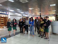 Aeroporto di Lamezia Terme, inaugurata la nuova piazzetta commerciale