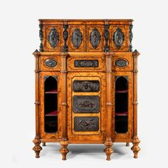 A superb quality burr walnut antique cabinet  (England).c.1870.