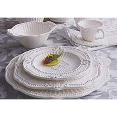 The sophisticated construction of this American Atelier Baroque dinnerware set will add an elegant touch to all your dinner parties. Your family and guests will love the beautiful table setting created by this dinnerware set with its intricate details set Elegant Table Settings, Beautiful Table Settings, Casual Dinnerware, White Dinnerware, Stoneware Dinnerware Sets, Tableware, Kitchenware, White Dishes, White Plates