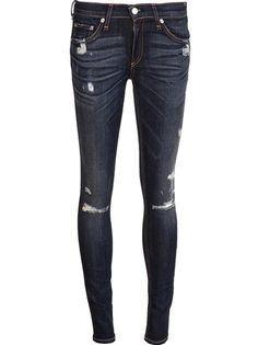Invigorate your off-duty looks with the women's skinny jeans edit at Farfetch. Shop stylish designer skinny jeans and skinnies right here. Super Skinny Ripped Jeans, Blue Ripped Jeans, Distressed Denim Jeans, Destroyed Jeans, Look Fashion, Fashion 2015, Swagg, Jeans Pants, Shorts