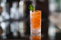 A Back-to-School Gin and Soda, the Color of a Freshly Sharpened No. 2 Pencil | Vanity Fair