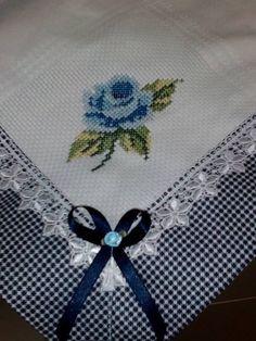 Ö Cross Stitch Patterns, Cross Stitch Designs, Kitchen Linens, Kitchen Towels, Hand Embroidery, Cross Stitch Embroidery, Sofa Überzug, Linen Napkins, Quilt Border