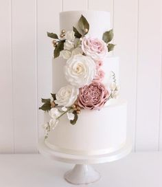 so to Wed Winter Issue 5 Soft pinks and greens in the florals on this elegant wedding cake are just perfect!Soft pinks and greens in the florals on this elegant wedding cake are just perfect! Floral Wedding Cakes, Elegant Wedding Cakes, Wedding Cake Designs, Wedding Cake Toppers, Wedding Themes, Wedding Flowers, Wedding Decorations, Wedding Ideas, 2 Tier Wedding Cakes